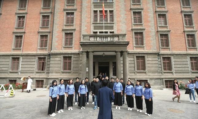 """阳江汽车站_""""90后""""与90后:超过百年的对话"""