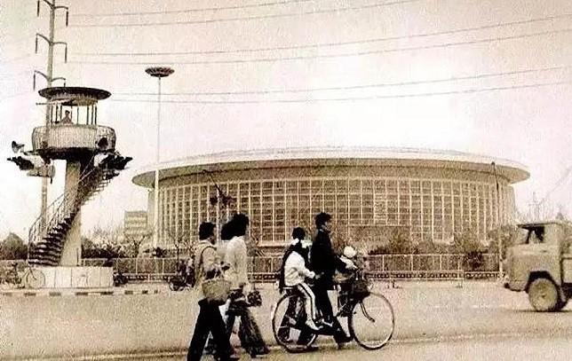灵动的建筑,承载上海体育荣光